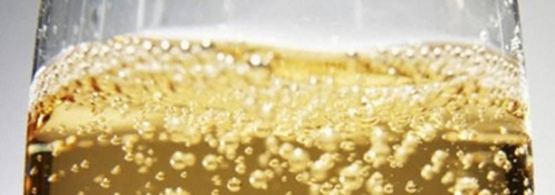 http://www.adorechampagne.com/wp-content/uploads/2012/10/champagne-yeast.jpg